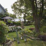 Scandinavian Butler rollator in de achtertuin