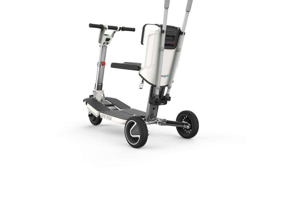 Atto scooter de mobilité des invalides. Possibilité de pliable cette scooter